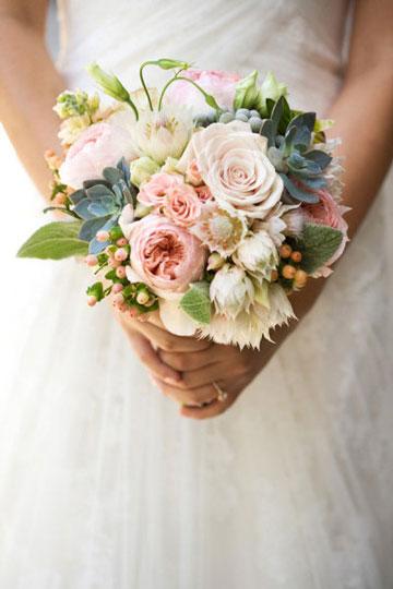 多肉植物制作新娘手捧花 简约大气又优雅