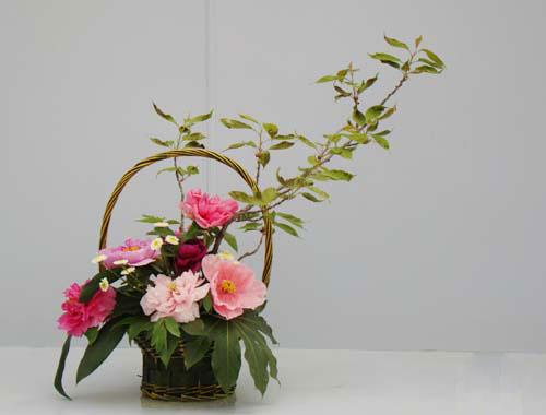 插花技巧:插花艺术的自然式构图技巧