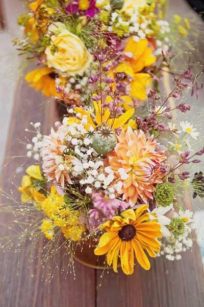 一年四季餐桌上的鲜花如何摆放