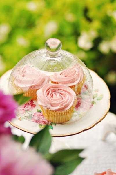 家居餐桌鲜花的摆放元素与摆放种类