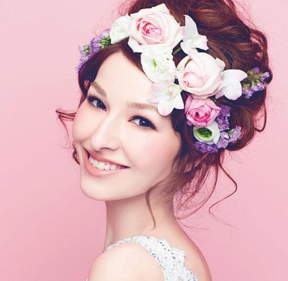 不同造型新娘头花、花环的特点月选择