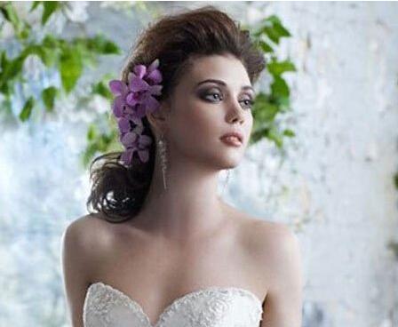 自然清新 四款用花朵打造的新娘发型