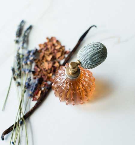 香草玫瑰香氛的功效与DIY制作方法