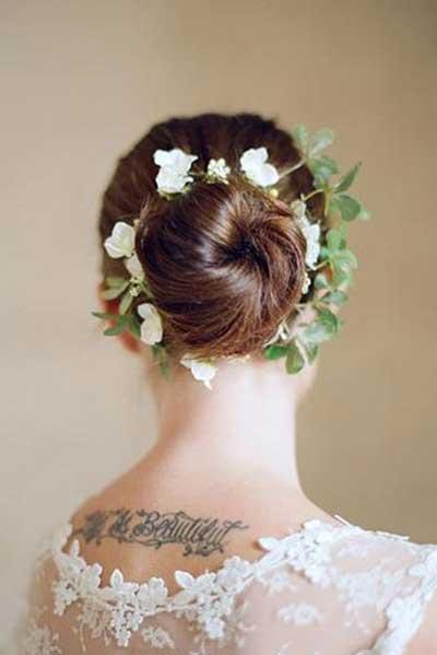 15款柔美的花朵婚礼发型 做最美的新娘