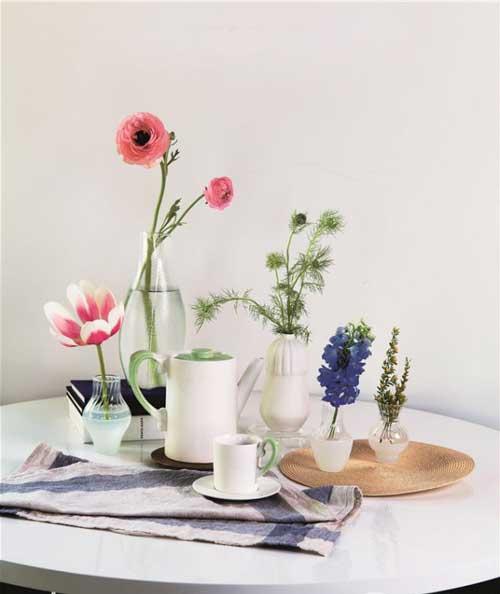 必不可少的精巧花器 让花开更美好