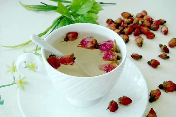 秋季根据自身体质选择花茶去秋燥
