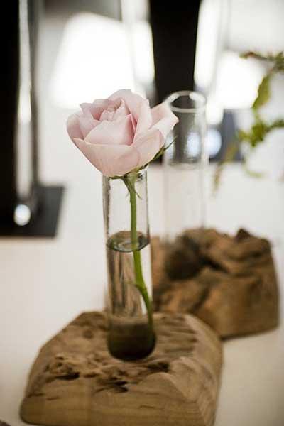 10款木桩花瓶,让自然木味在家中萦绕