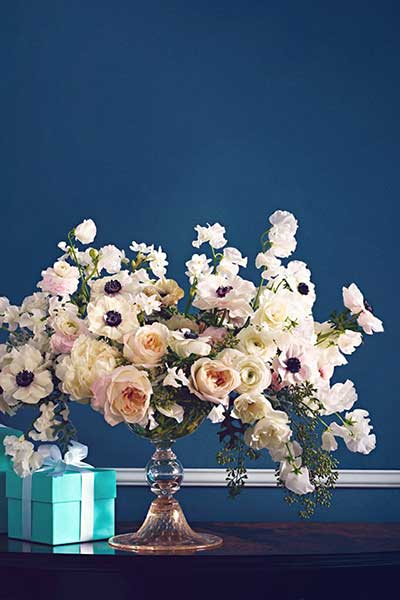 冬季婚礼花艺灵感:银莲花给婚礼增光添彩
