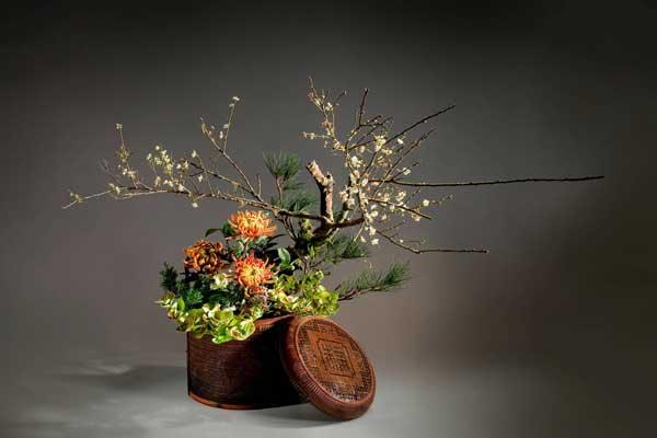 艺术插花:枝节错落 映四季更迭