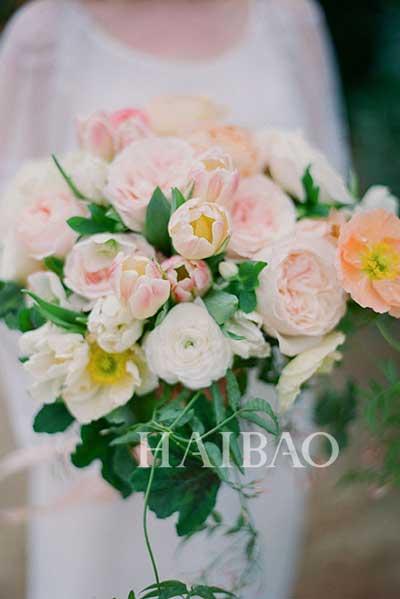 春夏秋冬季节不同要搭配不同的新娘手捧花